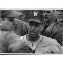 1966 Press Photo University of Wisconsin-Milwaukee's baseball Coach Bill Ritter
