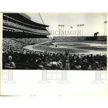 1978 Press Photo 42,376 Milwaukee Brewers fans watch game at the County Stadium