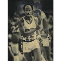 1983 Press Photo Milwaukee Bucks basketball player, Charlie Criss, in action