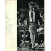1984 Press Photo Don Nelson Milwaukee Bucks Basketball Coach. - mjt11597