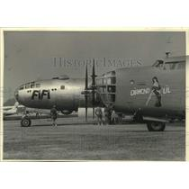 "1985 Press Photo ""Fifi"" and ""Diamond Lil"" bombers on display, Wisconsin"