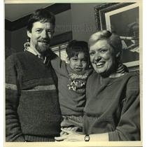 1987 Press Photo Tom and Judy Erickson adopted their son from Bangkok, Thailand