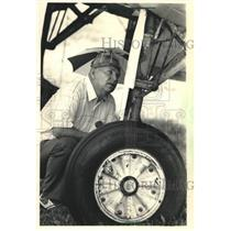1987 Press Photo Spence Ledford at the Experimental Aircraft Association Fly-In