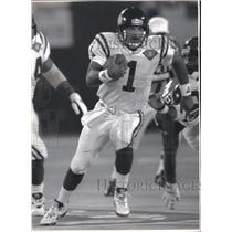 1994 Press Photo Minnesota Vikings football quarterback, Warren Moon in action