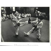 1986 Press Photo Sparring session at the Chalmette Karate Center - nob47256