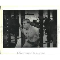 1988 Press Photo Weightlifter Jesse Kellum in Gym - nob46597