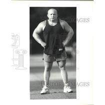 1992 Press Photo Jessen Kellum, weight lifter trains several times a week