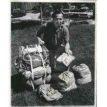 1965 Press Photo Dr Leonard Packing Backpack Trip - RRV13541