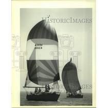 1989 Press Photo Spinnakers are up for the sailboat race in Lake Pontchartrain