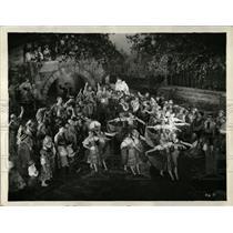 1933 Press Photo Pagliacoi Cinema Theater scene movie - RRW59175