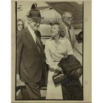 1979 Press Photo Mr. and Mrs. John Connelly, San Antonio airport - sas18622