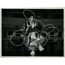 1986 Press Photo Kevin Locke Sioux Indian Flutist Hoop