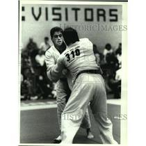 1992 Press Photo Judo competitor Bill Shanahan (left) wins match at Colonie NY