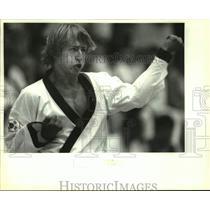 1992 Press Photo Henry MacMullin of the Master Civien Taekwondo Club in match