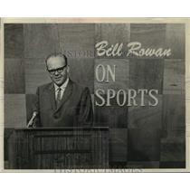 1968 Press Photo Sportscaster Bill Rowan, WTEN, Albany, New York - tus05517