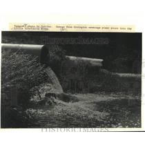 1987 Press Photo Covington sewerage plant pours into the Little Tchefuncte River