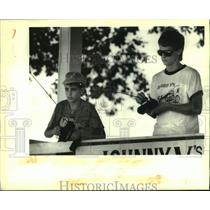 1988 Press Photo Mark LeMoine & Troy Tillinghast-Johnny V's Hobby and Race Shop