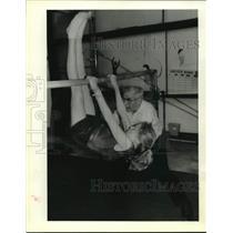 1989 Press Photo Gymnastics coach Jaap Kosters helps Jennifer Bayer - nob63956