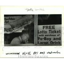 1991 Press Photo Haydel's Bakery Offers Free Lotto Ticket With Meal, Metairie