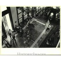 1994 Press Photo Entertainers greet the patrons of Bayou Caddy's Jubilee Casino
