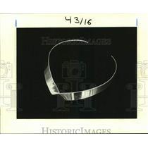 Press Photo Choker type of necklace- jewelry - nob66234