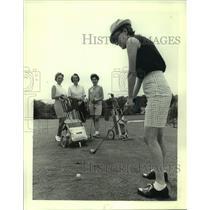 1966 Press Photo Mrs. Warren Knowles, Wisconsin GOP Women's Division Golf open