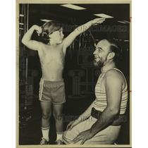 1979 Press Photo Youth Bodybuilder Danny Diaz & Coach - sas19789