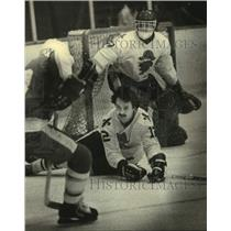 1980 Press Photo Milwaukee Admiral's Michel Bergeron and Goalie Rich Sirios