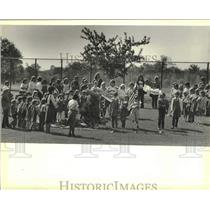 1983 Press Photo Girl Scouts gathered to dedicate a spruce tree to Brookfield
