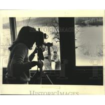 1984 Press Photo Girl Scouts at Camp Silverbrook being videotaped, Milwaukee, WI