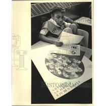 1984 Press Photo Girl Scout Brandi Williams read George Washington Carver poem