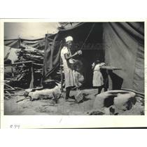 1987 Press Photo Nicaraguan family in refugee camp in Honduras - mjb53812
