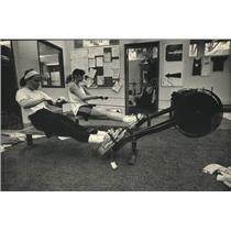 1989 Press Photo University of Wisconsin crew team members workout - mjc38336