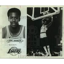 1977 Press Photo Los Angeles Lakers Basketball Player Kermit Washington Dunks