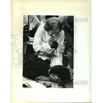 1979 Press Photo Rosalynn Carter Visiting Cambodian Refugees - mja65865