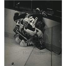 1988 Press Photo Admirals hockey player John Le Blanc watches puck skid away