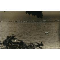 1989 Press Photo People Boating at Bay View Park, Lake Michigan - mja42182