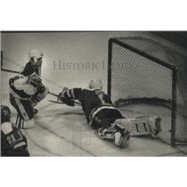 1989 Press Photo Milwaukee Admirals play hockey vs Kalamazoo - mjc40056