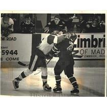 1994 Press Photo University of Wisconsin battles St. Cloud State in hockey game