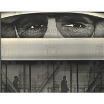 1994 Press Photo Peering Eyes on Billboard by Skywalk in Milwaukee, Wisconsin