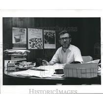 1971 Press Photo Edward M. McManus at his desk, American Civil Liberties Union