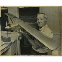 Press Photo Edward Chavez, Model Airplane Builder with Model Spirit of St. Louis