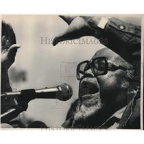 1987 Press Photo Reverend Hosea Williams Speaks to Crowd in Montgomery, Alabama