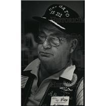 1988 Press Photo WWII Submarine Veteran Allen Ishman Reminisces War Stories