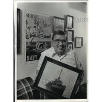 1990 Press Photo WWII Navy Veteran Al Casper's Wall of Navel Pride - mja46931