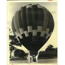 1982 Press Photo Don Grimes participating at the Hammond Balloon Festival