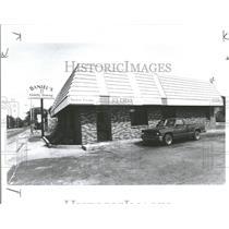 1991 Press Photo Muskegon Michigan Restaurant