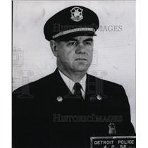 1952 Press Photo Gilbert J. Shelby Detroit Police Staff - RRW73037