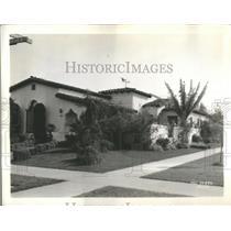 1933 Press Photo Mae Clarke Penthouse Mayer house role