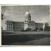 1953 Press Photo exterior of Capitol, main state building, Frankfort, Kentucky